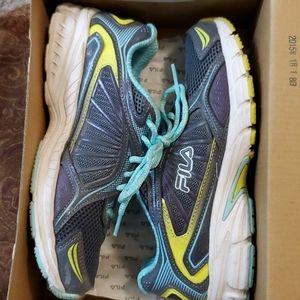 Fila running shoe 6.5